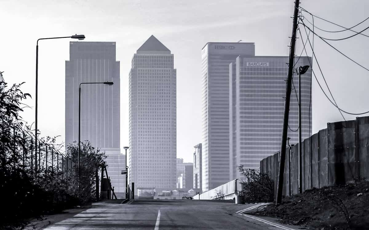road to docklands london